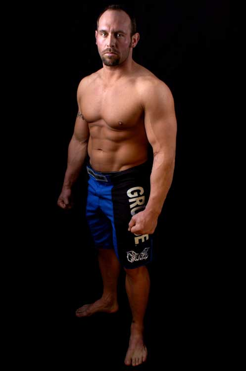 Shane Carwin - A long, long shot at upsetting Brock Lesnar and winning the UFC Heavyweight belt in Las Vegas at UFC 106. What then would Lesnar do? Get a job?