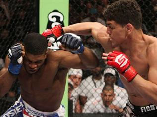 Diaz does Daley - Strikeforce 04-09-11
